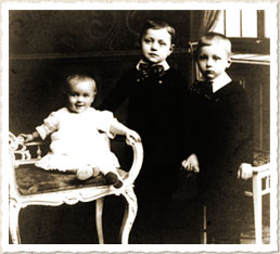 Jean Laurent at the age of three with his brother Victor (centre) and a cousin at their parents' home in Antwerp
